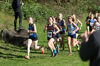 Leah Norquist staying with the pack at the NWAC Championships