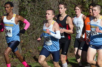 Brandon Raleigh running strong with the lead pack at the NWAC Championships